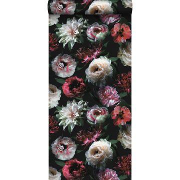 tapet blommor rosa, svart och mörkgrönt från ESTA home