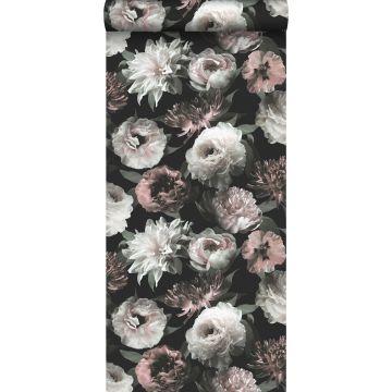 tapet blommor svart, vitt och milt rosa från ESTA home