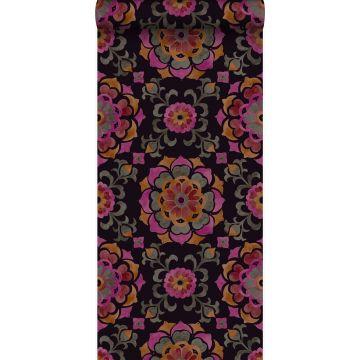 tapet suzani-blommor svart, orange och rosa från Origin